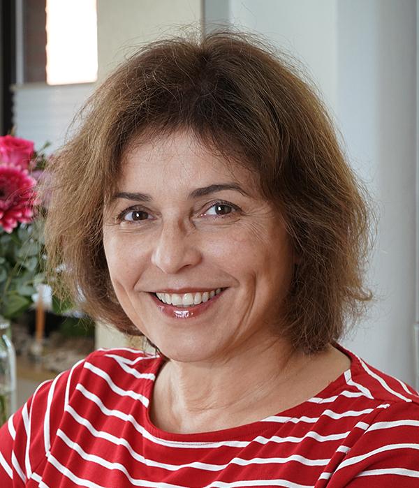 Frau Dr. Maria Veress